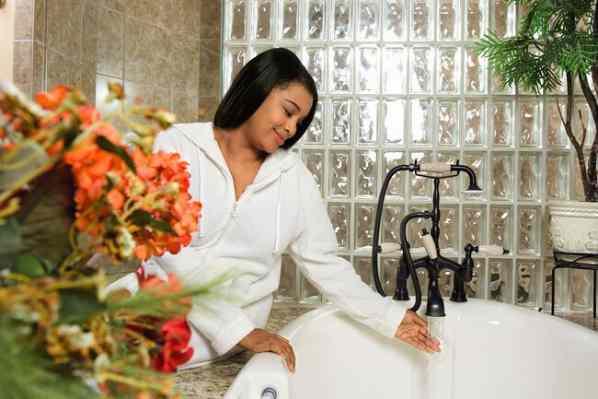 اشتباهات رایج در هنگام دوش گرفتن و استحمام