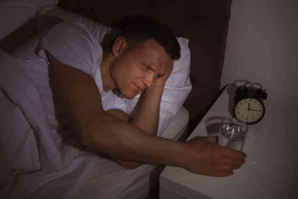 نوشیدن مایعات فراوان قبل از خواب