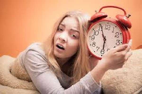 15 کاری که نباید قبل از خواب انجام دهید