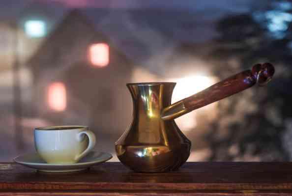 نوشیدن قهوه و چای قبل از خواب