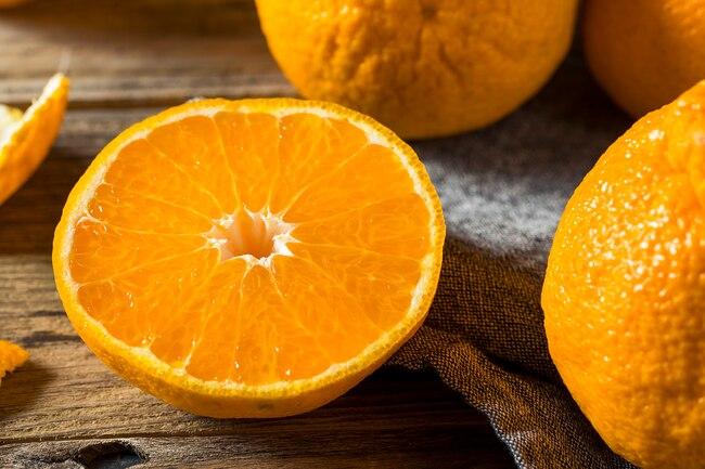 آنتی اکسیدان موجود در آب پرتقال باعث کاهش التهاب و بهبود گردش خون می شود.