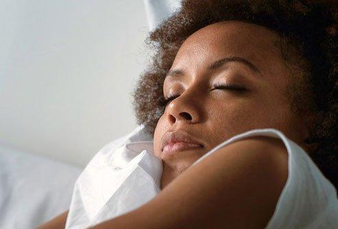 استفاده از محافظ شب به محافظت از دندان های شما در شب هنگام خواب کمک می کند.